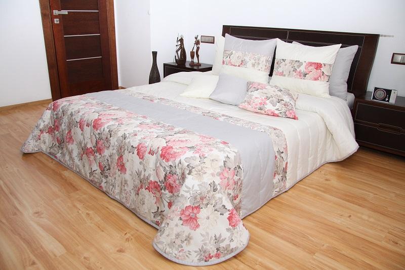 1e2438dd52e4 Luxusní přehoz na postel 220x240 cm 44b 220x240